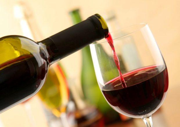 Вино при гипертонии нежелательно