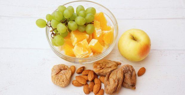 Орешки и фрукты